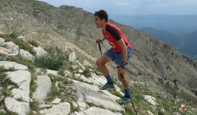 David Delgado escalando carrera Tarragona