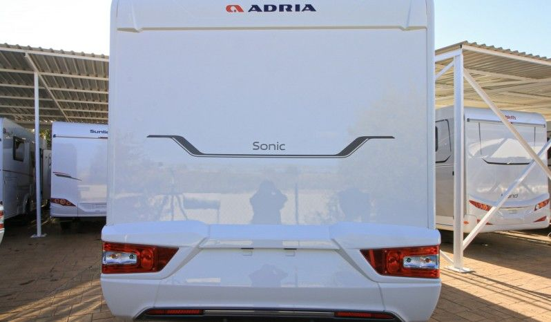 Adria Sonic Axess 600 SC full